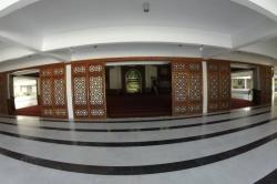 Velká páteční mešita, vstup do modlitebny