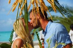 Maledivy svatba - polibek