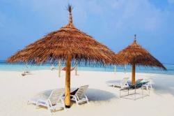 pláž na Maledivách - ostrov Gaafaru