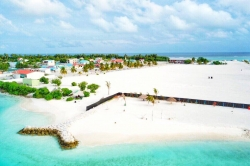 Pláž ostrov Gaafaru, Maledivy