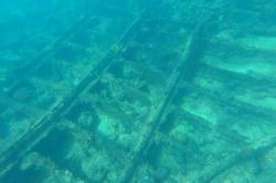 vrak lodi na Maledivách