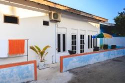 Dovolená na Maledivách - dům č.4 levá část venkovní posezení