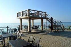 restaurace na ostrově Huraa