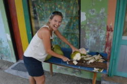 Lucie si připravuje kokos