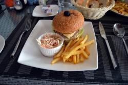 hamburger, hranolky