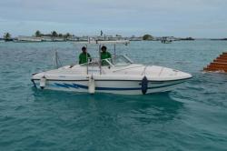 Maledivy - motorový člun - speedboat