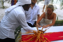 Podpis maledivského dokumentu stvrzujícího uzavření manželství