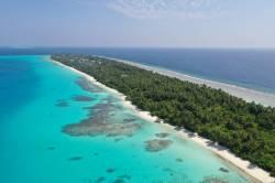 ostrov Dhigurah Maledivy