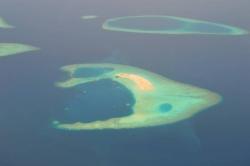 Krásné pohledy na Maledivy z letadla