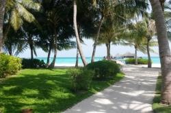 Maledivy den v resortu Club Med Kani (2)