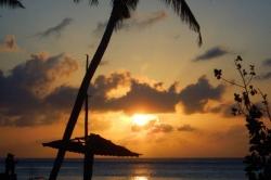 Maledivy východ slunce Huraa