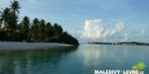 Maledivy - podvečerní pláž