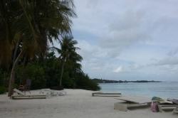 Maledivy bikini pláž