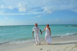 Maledivy svatební fotka z pláže