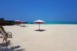 bikini pláž Maledivy