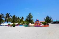 dětské hřiště na ostrově Gaafaru