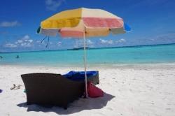 pohoda na pláži na Maledivách