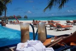 koktejly na pláži