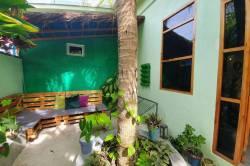posezení v penzionu na Dhiffushi