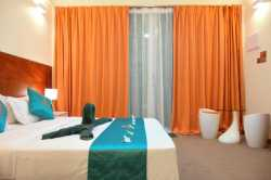 Hotel-Dhiguhah-Maledivy-dvoulůžkový-pokoj