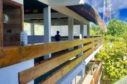 Hotel-Dhiguhah-Maledivy-terasa