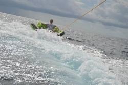Maledivy - Fun Tubes na vlnách