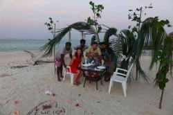 romantická večeře na pláži