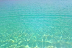 barva oceánu na Maledivách