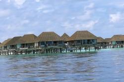 vodní vily resort Maledivy