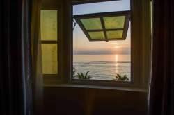 výhled na moře z pokoje