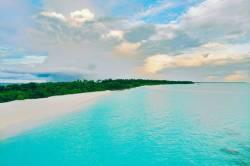 moře, pláž a ostrov