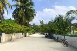 cesta na ostrově Omadhoo