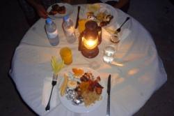 Dovolená na Maledivách - večerní stolování