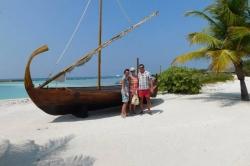 Maledivy, u tradiční loďky