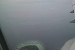 Výhled na Maledivy z letadla