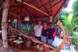 v restauraci, ostrov Ukulhas