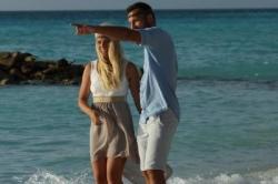 Maledivy svatba - porocházka po pláži