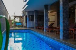 hotel-s-bazanem-Maafushi-2