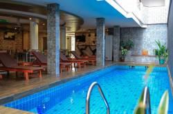 hotel-s-bazanem-Maafushi