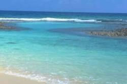 moře a vlny na Maledivách