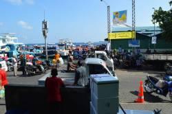 pohled na přístav z rybího trhu