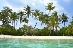 Turistická pláž na Huraa