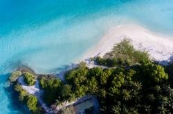 foto pláže z dronu
