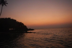 Maledivy, Huraa, západ slunce relax beach