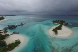 Maledivy, příjezd na ostrov Huraa kolem Four Season