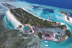 Maledivy, Four Season, soused ostrova Huraa