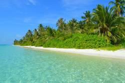 překrásná pláž na ostrově Dhigurah