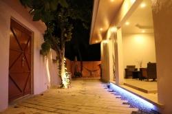 Hotel Maledivy v noci