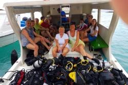 potápěči na Maledivách