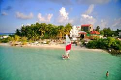 pláž na ostrově Dhiffushi